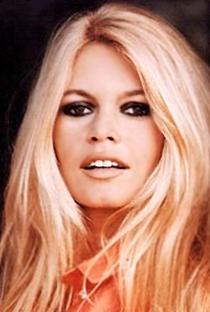 Brigitte Bardot - Poster / Capa / Cartaz - Oficial 9