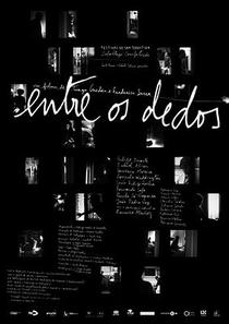 Entre os Dedos - Poster / Capa / Cartaz - Oficial 1