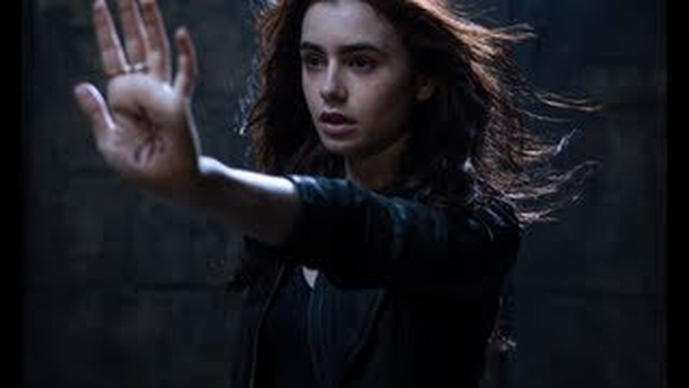 """Confira novo trailer do filme sobrenatural """"Os Instrumentos Mortais: Cidade dos Ossos"""""""