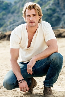 Chris Hemsworth - Poster / Capa / Cartaz - Oficial 12