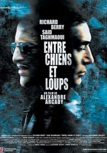 Entre Chiens Et Loups - Poster / Capa / Cartaz - Oficial 1