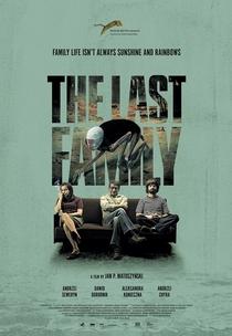 A Última Família - Poster / Capa / Cartaz - Oficial 1