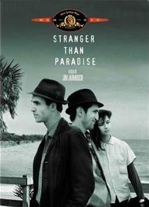 Estranhos no Paraíso - Poster / Capa / Cartaz - Oficial 2