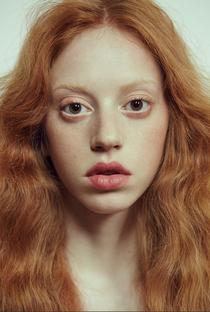 Lily Newmark - Poster / Capa / Cartaz - Oficial 1