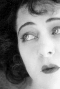 Alla Nazimova - Poster / Capa / Cartaz - Oficial 1