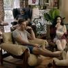 Letícia Sabatella faz ciúme no marido em cena de Happy Hour