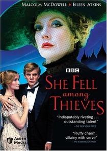 She Fell Among Thieves - Poster / Capa / Cartaz - Oficial 1