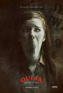 Ouija: Origem do Mal - Poster / Capa / Cartaz - Oficial 5