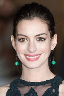 Anne Hathaway - Poster / Capa / Cartaz - Oficial 10