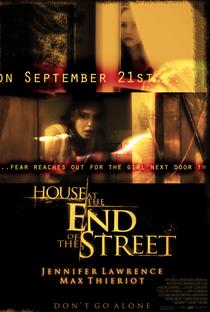 A Última Casa da Rua - Poster / Capa / Cartaz - Oficial 7