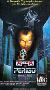 Acima do Perigo - Poster / Capa / Cartaz - Oficial 1