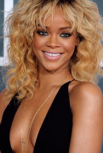 Rihanna - Poster / Capa / Cartaz - Oficial 3