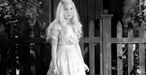 Alice in Wonderland - Poster / Capa / Cartaz - Oficial 2
