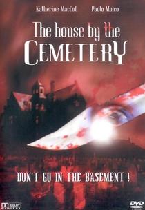 A Casa do Cemitério - Poster / Capa / Cartaz - Oficial 5