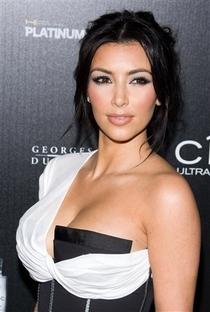 Kim Kardashian West - Poster / Capa / Cartaz - Oficial 9