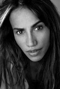 Nina Lisandrello - Poster / Capa / Cartaz - Oficial 1