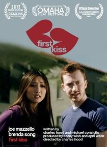 First Kiss - Poster / Capa / Cartaz - Oficial 1
