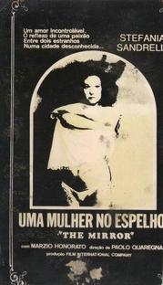 Uma Mulher no Espelho - Poster / Capa / Cartaz - Oficial 1