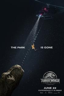 Jurassic World: Reino Ameaçado - Poster / Capa / Cartaz - Oficial 2
