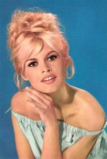 Brigitte Bardot - Poster / Capa / Cartaz - Oficial 25