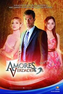 Amores Verdaderos - Poster / Capa / Cartaz - Oficial 1