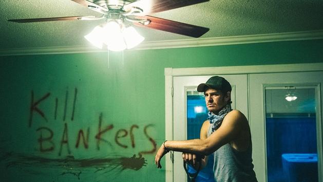 No Escurinho: Andrew Garfield perde a casa | Woo! Magazine