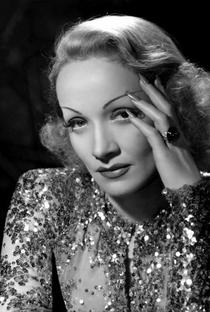 Marlene Dietrich - Poster / Capa / Cartaz - Oficial 11
