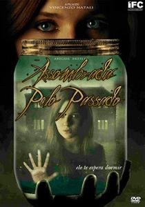 Assombrada pelo Passado - Poster / Capa / Cartaz - Oficial 4