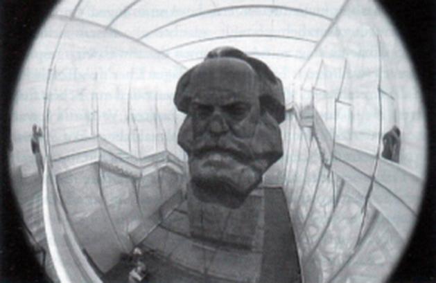 Não são as imagens: Crítica - Notícias da Antiguidade Ideológica: Marx, Eisenstein, O Capital