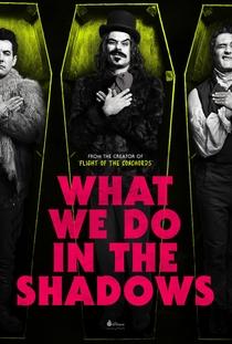 O Que Fazemos Nas Sombras - Poster / Capa / Cartaz - Oficial 3