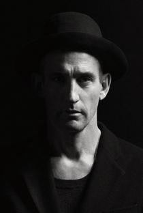 Johan Renck - Poster / Capa / Cartaz - Oficial 2
