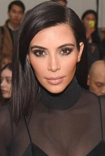 Kim Kardashian West - Poster / Capa / Cartaz - Oficial 8