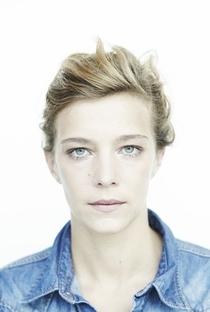 Céline Sallette - Poster / Capa / Cartaz - Oficial 2