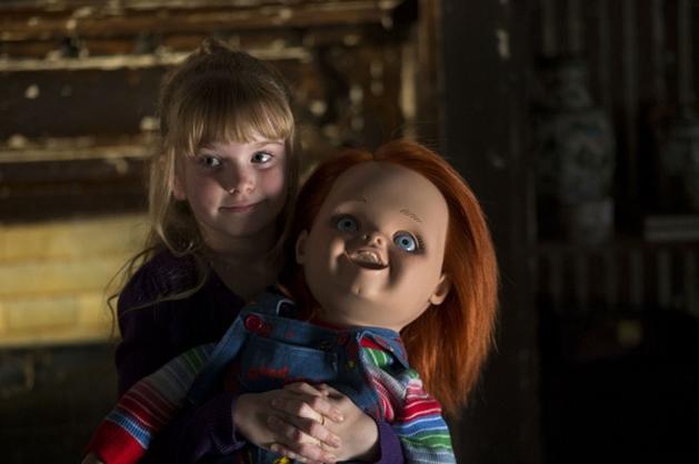 """O Brinquedo Assassino não está para brincadeiras no primeiro trailer de """"A Maldição de Chucky"""""""