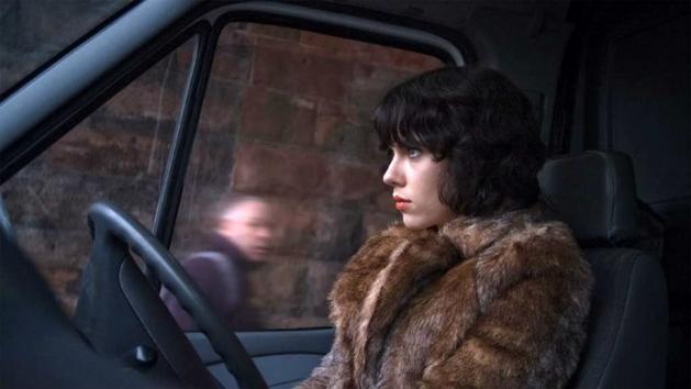 "Scarlett Johansson no primeiro trailer de ""Under the Skin"""