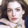 """""""Não há vergonha em ganhar peso durante a gravidez """", desabafa Anne Hathaway"""