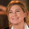 Ellen Pompeo questiona falta de diversidade na equipe da revista Porter