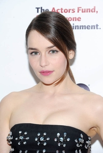 Emilia Clarke - Poster / Capa / Cartaz - Oficial 11