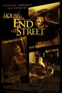 A Última Casa da Rua - Poster / Capa / Cartaz - Oficial 4