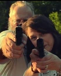 Tim and Susan Have Matching Handguns - Poster / Capa / Cartaz - Oficial 1