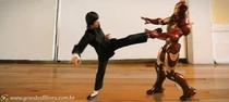 Homem de Ferro x Bruce Lee - Poster / Capa / Cartaz - Oficial 1