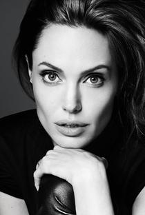 Angelina Jolie - Poster / Capa / Cartaz - Oficial 3