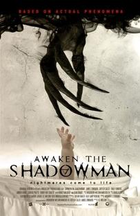 O Despertar das Sombras - Poster / Capa / Cartaz - Oficial 1