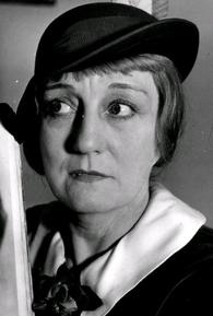 Mae Laurel