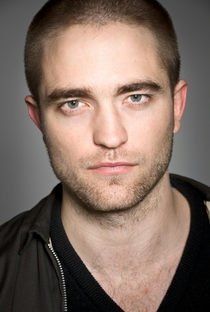 Robert Pattinson - Poster / Capa / Cartaz - Oficial 12