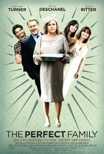 Uma Família Perfeita - Poster / Capa / Cartaz - Oficial 2