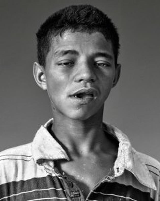 Fotógrafo britânico mostra rostos na Cracolândia