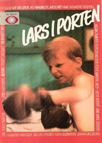 Lars i porten - Poster / Capa / Cartaz - Oficial 1