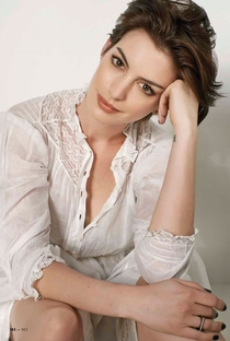 Anne Hathaway - Poster / Capa / Cartaz - Oficial 4