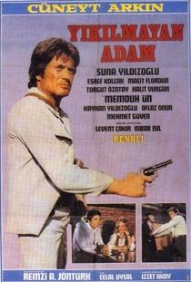 Yikilmayan adam - Poster / Capa / Cartaz - Oficial 1
